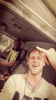 travel_reisen_trampen_australien_travels_crazy_dude_surf